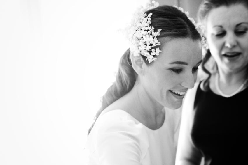 Foto en blanco y negro de la novia, fotos artísticas de boda