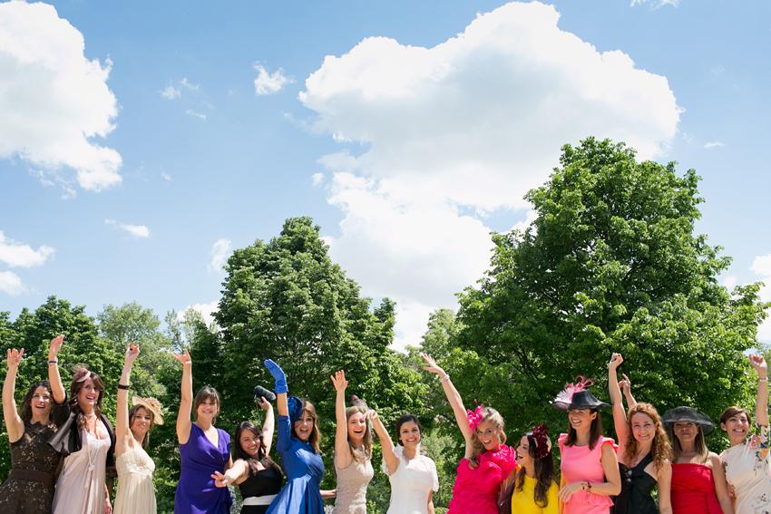 Foto de la novia con todas sus amigas, fotos artísticas de bodas