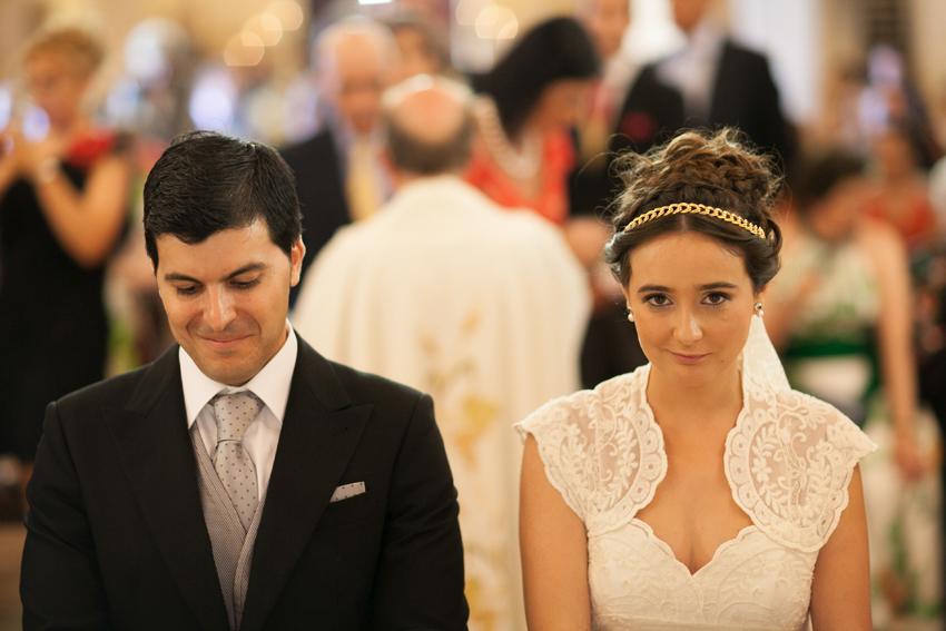 Primer plano de los novios en el altar, reportaje de boda en Ciudad Real