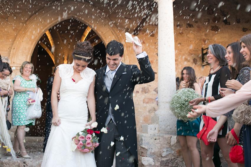 Luvia de arroz a la salida de la ceremonia, fotos de bodas