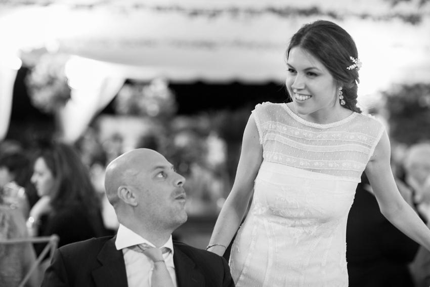 Imagen de la novia durante la celebración, fotos artísticas de bodas
