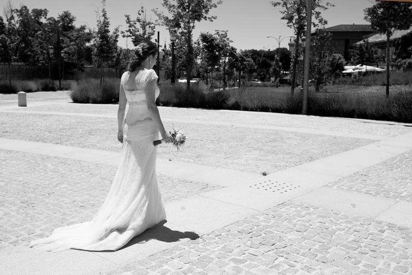 Imagen de la novia en blanco y negro. Fotos de bodas