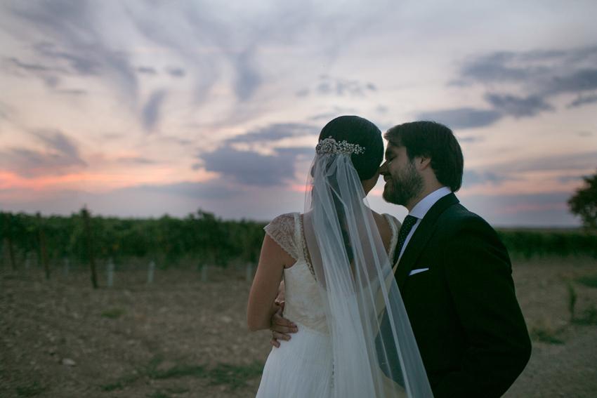 Confidencias entre los novios, fotos artísticas de bodas