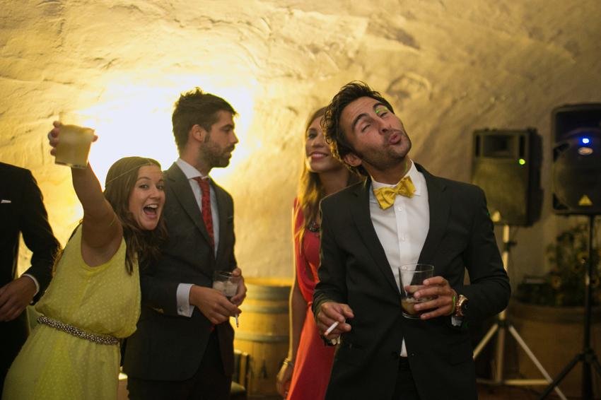 Los invitados se divierten en la celebración