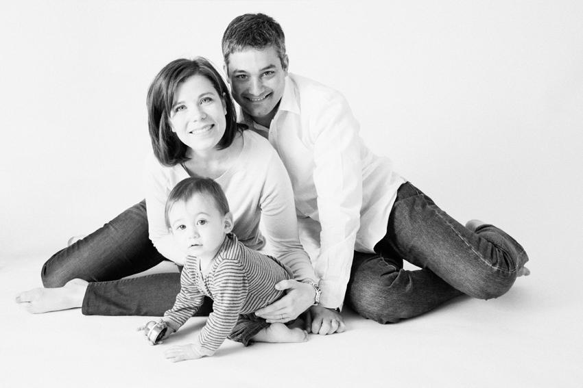 Fotos de familia al completo en b/n. Fotos de familia en Madrid
