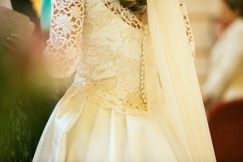 Detalle del vestido de novia. Fotos artísticas de bodas
