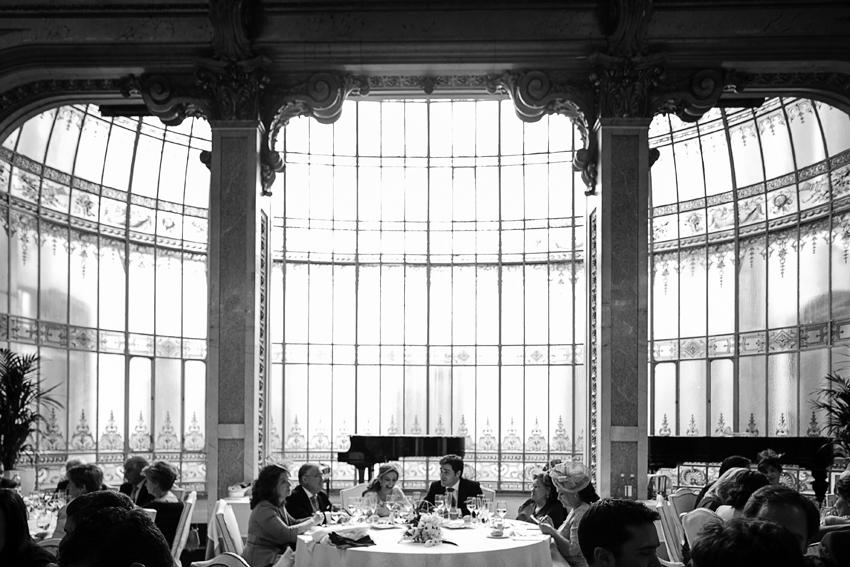 Imagen en b/n del salón donde se celebró la boda