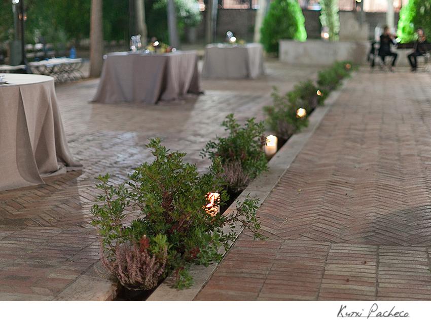 La iluminación es primordial en las bodas al aire libre