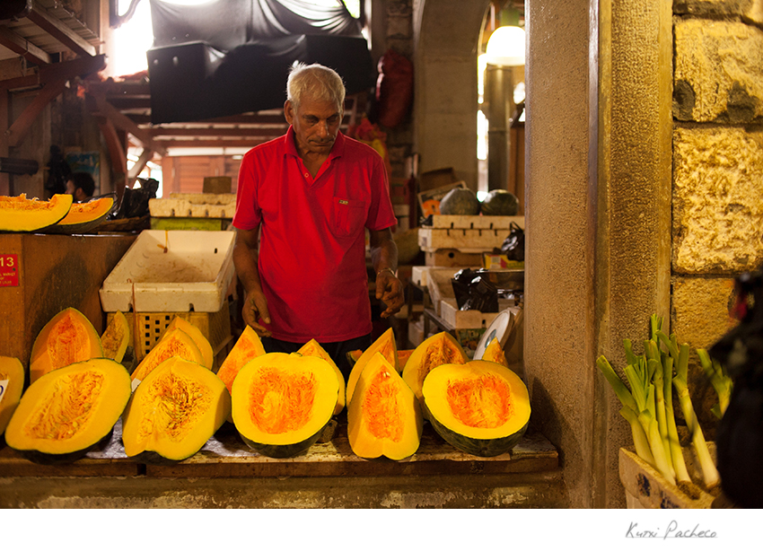Fruit stand in Mauritius. Kutxi Pacheco Photography