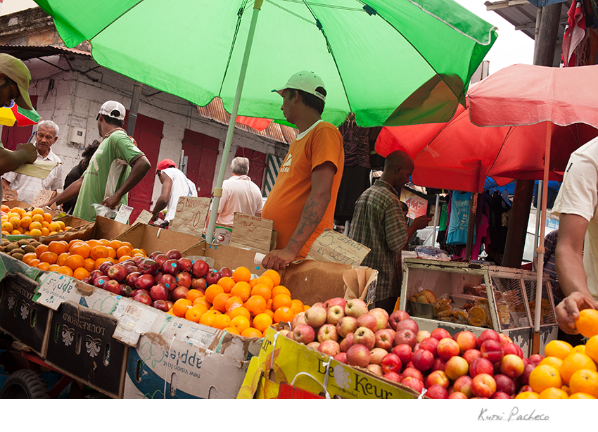 Image of a market in Mauritius. Kutxi Pacheco Photography