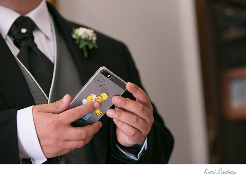 Detalle del móvil del novio