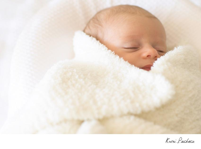 Bebé durmiendo. Sesión de bebés - Kutxi Pacheco