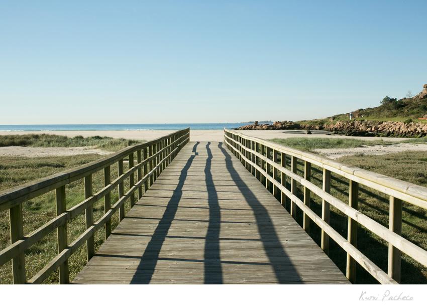 Imagen pasarela playa en la Costa de la Muerte